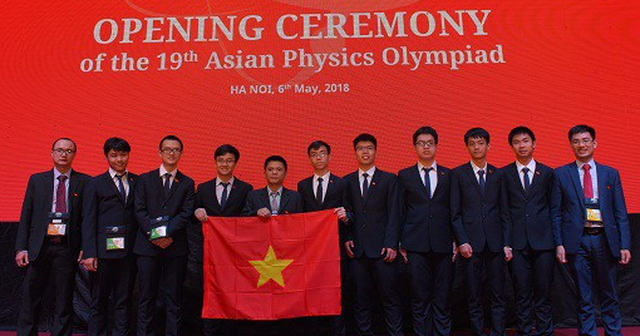 Vietnam wins four golds, two silvers at 19th Asian Physics Olympiad