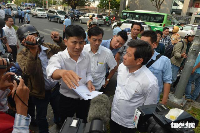 Saigon's Captain Sidewalk asks to retract resignation as District 1's vice leader