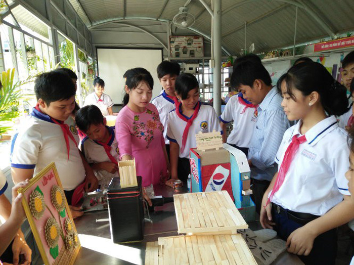 Vietnamese schools offer creative outlets