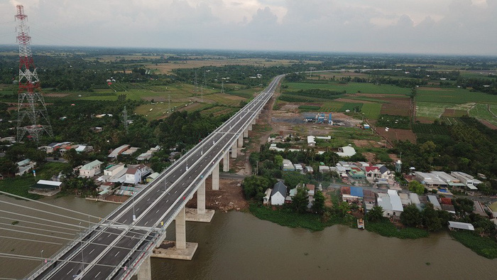 A bird's eye view of part of the Cao Lanh Bridge in Dong Thap Province, Vietnam. Photo: Tuoi Tre