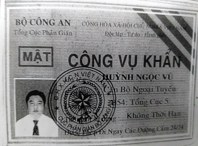 ​Vietnamese man attempts to use bogus counter-intelligence ID to dodge traffic police