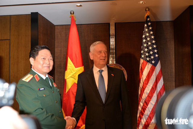 US considers transferring jet trainers to Vietnam: Secretary of Defense