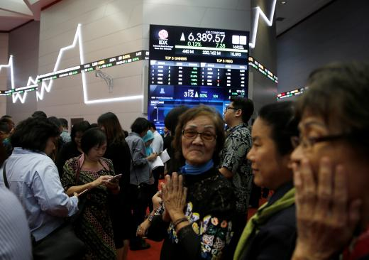SE Asia Stocks-Most markets gain as Italy concerns wane