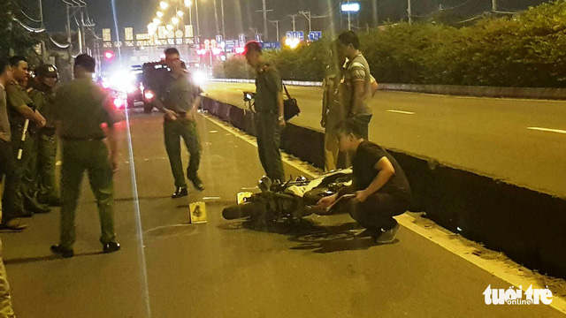 Vietnamese man killed by apparent stray bullet while 'following' illegal bike racing in Saigon