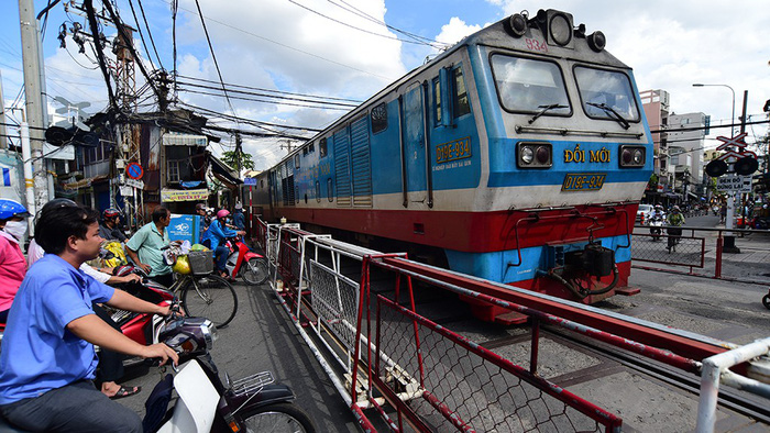 Vietnam's railway sector dragged down by obsolete trains
