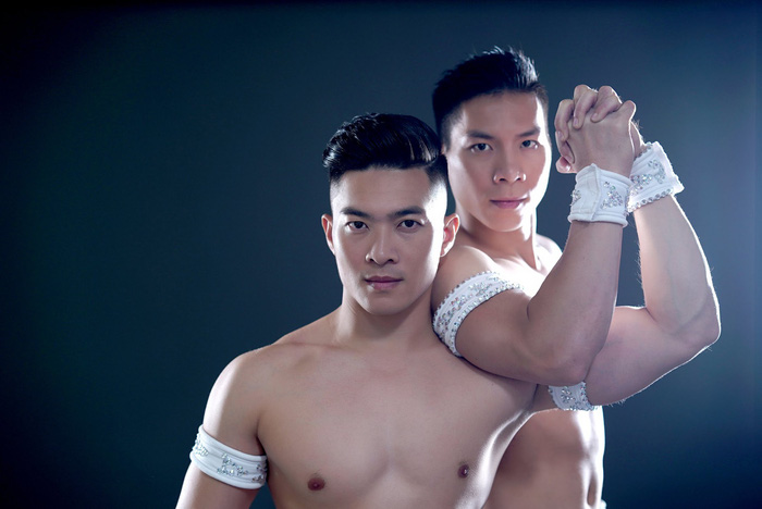 Vietnam's Giang Brothers delay 'thank-you' show due to injuries