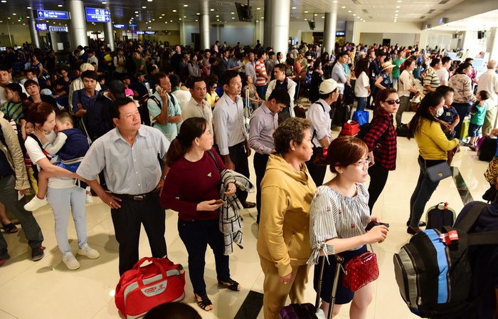 Lack of capital hampers upgrades for deteriorating runways at Vietnam's major airports