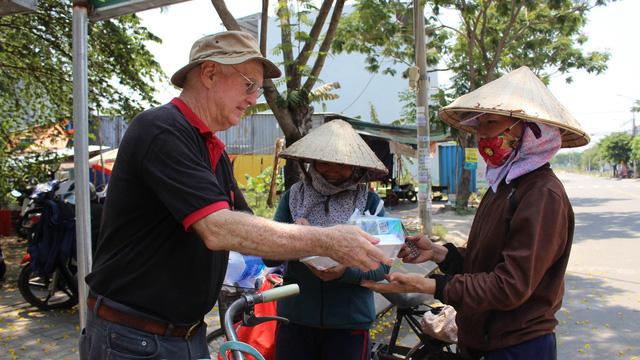 Da Nang charitable organization 'connects hearts' to mend souls