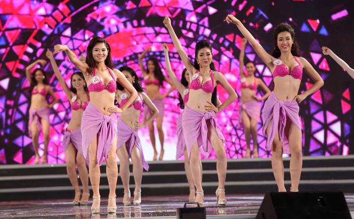 Debate brews in Vietnam on whether to drop bikini round in beauty pageants