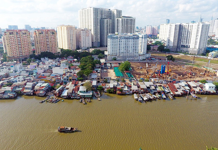 Ho Chi Minh City guarantees 10,000 affordable apartments for relocated families