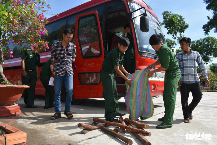 Vietnamese official suggests auctioning seized contraband to pad budget