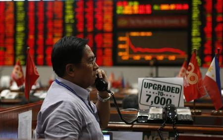 SE Asia Stocks-Most extend losses; Philippines hits over 1-yr closing low
