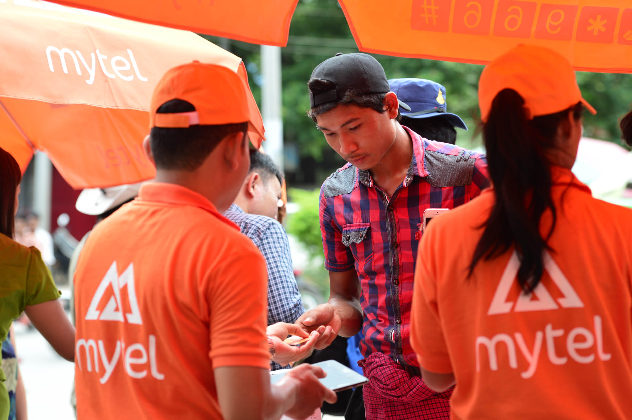 Vietnam's Viettel signs up 1 million subscribers in Myanmar, ten days after launch