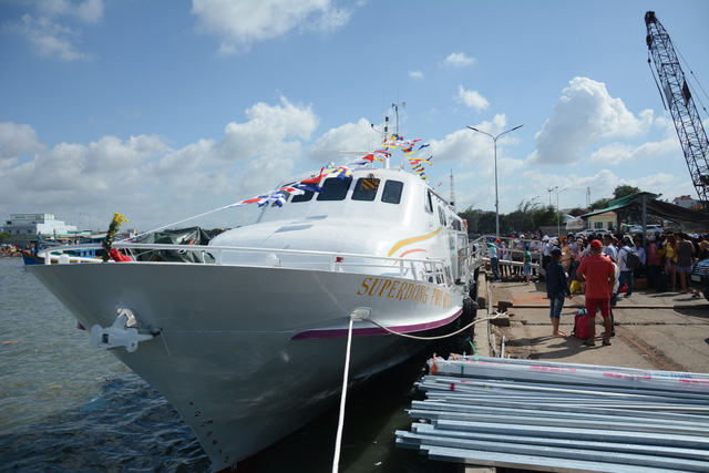 New speedboat service to Phu Quy Island launched