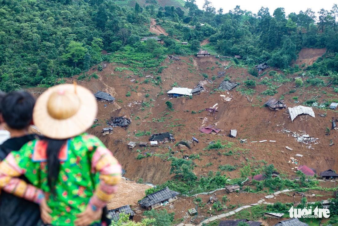Landslide buries entire village in northern Vietnam