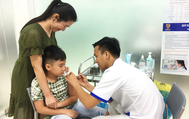 ​Ho Chi Minh City residents rush to receive swine flu shots