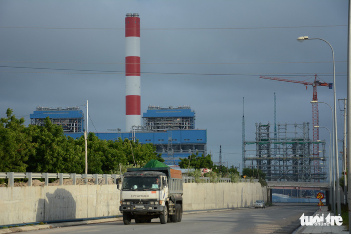 A truck carries ash from the Vinh Tan Thermal Power Plant Complex in Binh Thuan Province, Vietnam. Photo: Tuoi Tre