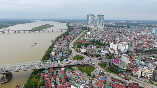 French enterprise proposes building cable car to cross Hanoi iconic river