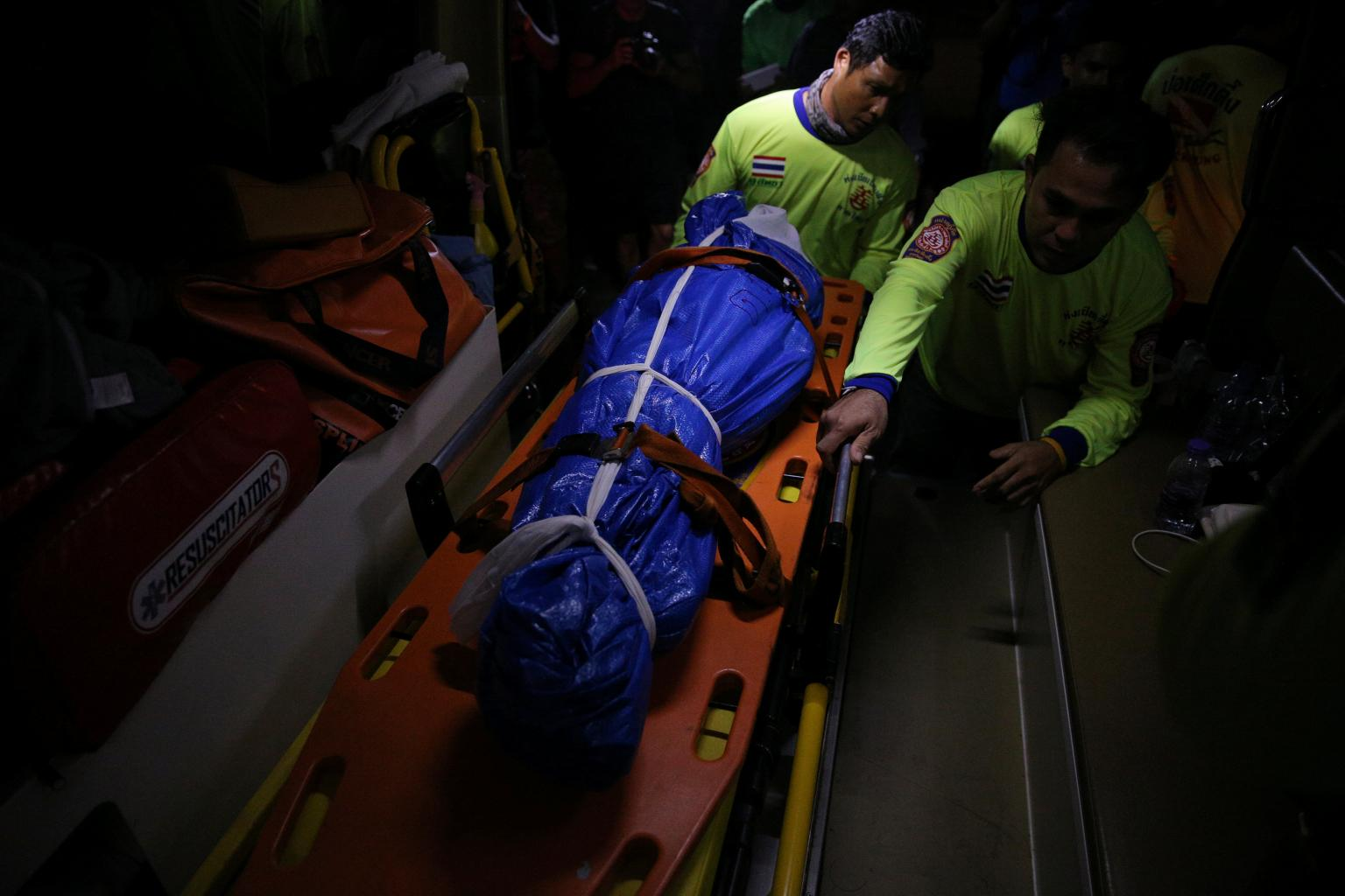 Thai rescuers prepare to raise sunken tourist boat, 41 confirmed dead