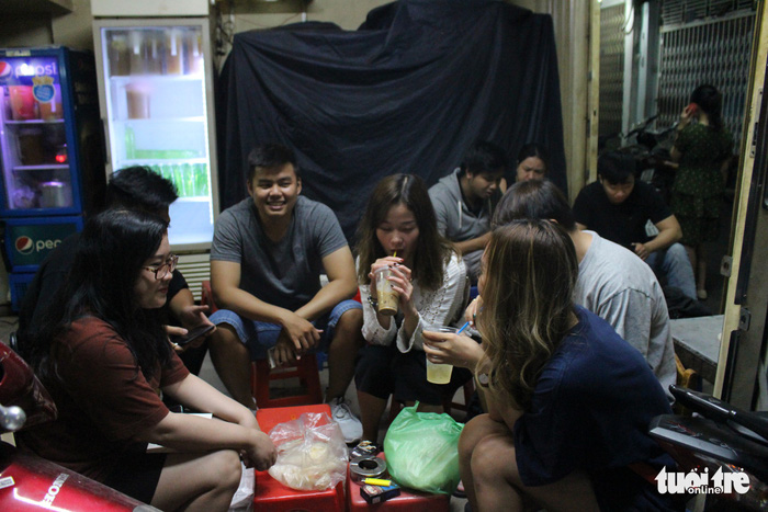 Young Saigonese relive good old days with net-filter coffee