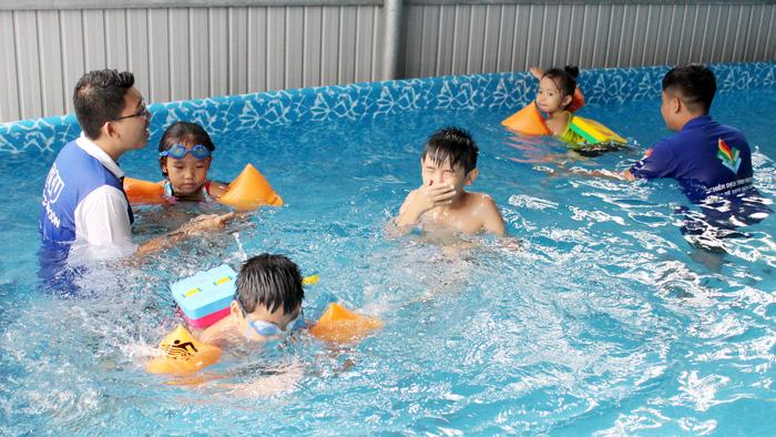 Ho Chi Minh City children learn life skills in summertime