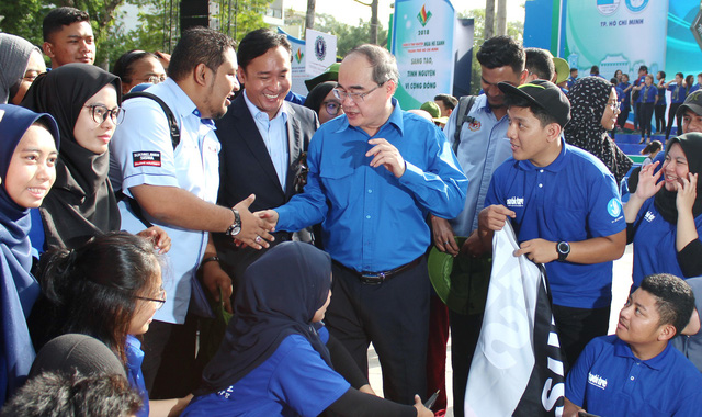 ​60,000 Vietnamese youths join annual summer volunteer campaign
