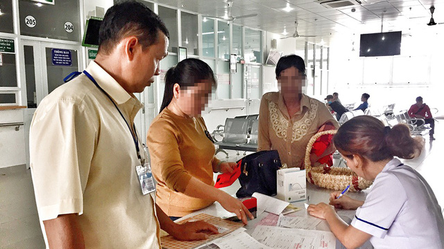Vietnamese patients neglect health insurance due to long waiting time
