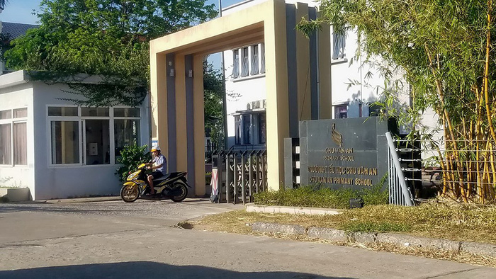 Vietnamese school requires teachers to give five years' notice on quitting