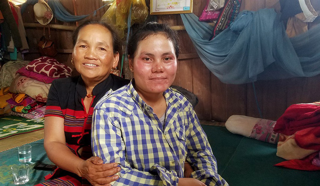 Poverty won't stop this ethnic Vietnamese mother from caring for those in need