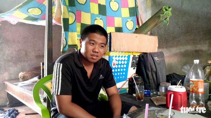Vietnamese student sells lottery tickets as breadwinner for decade, but college dream never dies