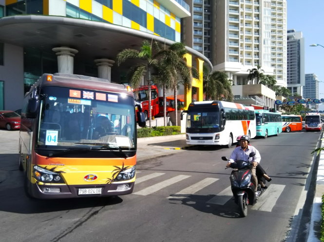 Tourist buses to be banned from Nha Trang coastal road to reduce congestion