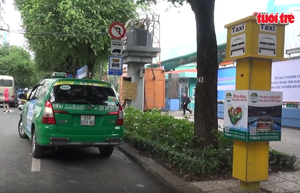 Downtown taxi stands put into use in Ho Chi Minh City