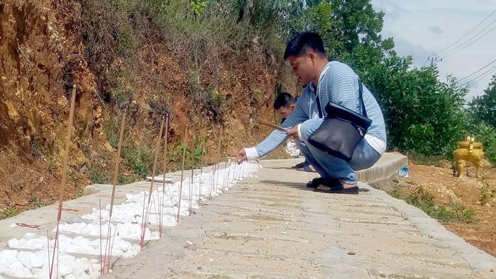 Vietnamese man builds graveyard to mourn unborn children