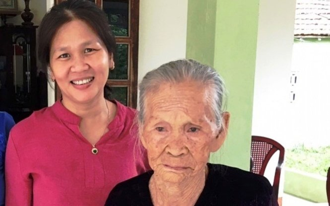 Vietnamese mother, daughter reunited in tears after 45 years of separation