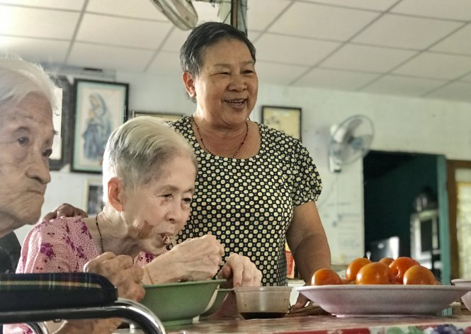 Former Vietnamese teacher provides homes to lonely elderly