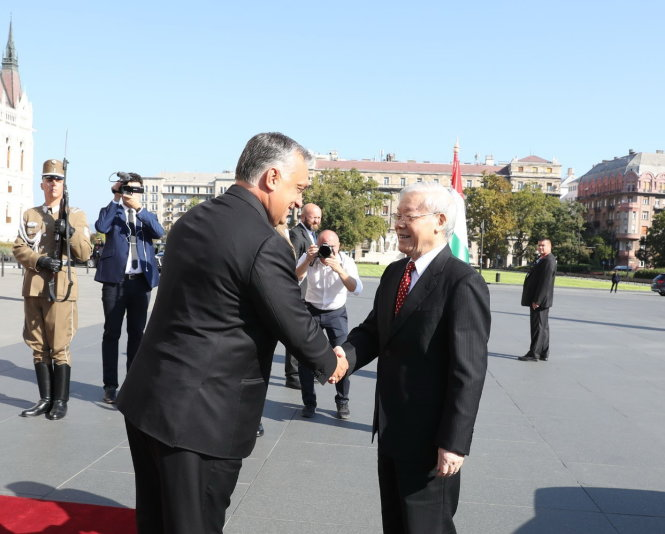 ​Vietnam, Hungary elevate ties to comprehensive partnership
