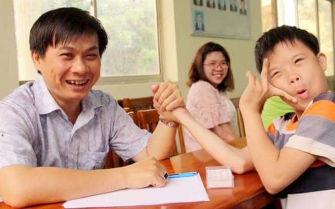 Vietnamese man gives 10,000 poor patients money for treatment