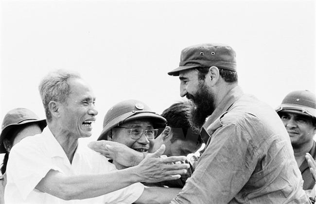 Vietnam commemorates Fidel Castro's historic wartime visit, 45 years on