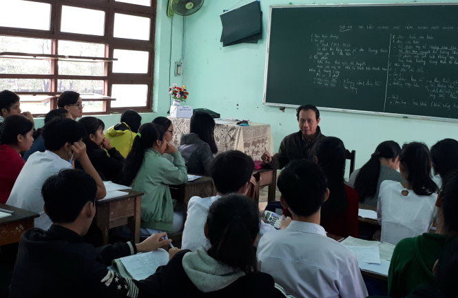 ​Vietnam's draft decree details fines for insults to teachers, students
