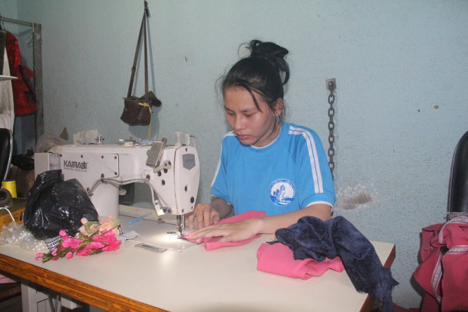 ​Ten-year college dream finally comes true for Vietnamese seamstress