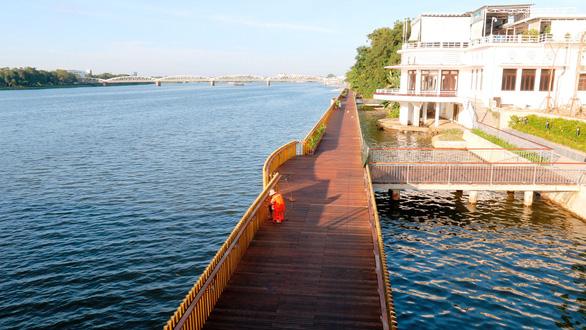 Wooden walkway to open in central Vietnam amidst concerns