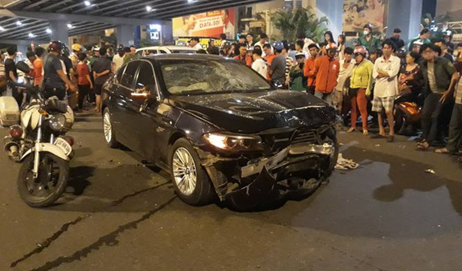Driver claims to be sober, blames high heels for fatal crash in Saigon