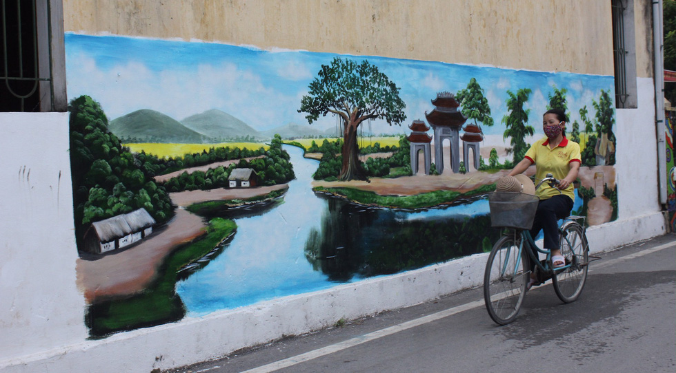 A mural wall in Dong Khe Hamlet of Dan Phuong Village in Dan Phuong District, Hanoi is seen in this photo. Photo: Tuoi Tre