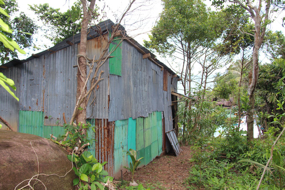 A house erected illegally on forest land on Mong Tay Islet off southern Vietnam. Photo: Tuoi Tre