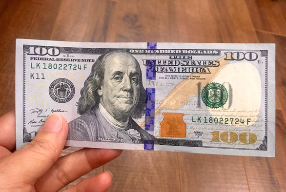 Vietnam man fined for exchanging dollar bill at local gold shop