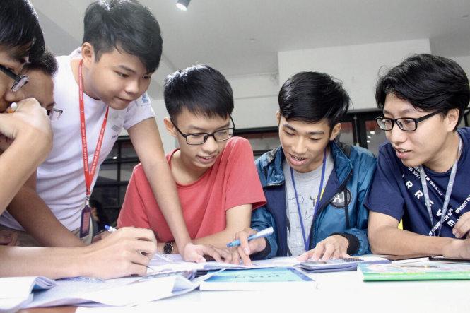 Vietnamese college senior designs AI platform connecting students, school