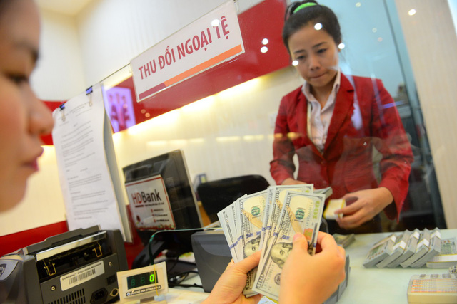 Payment in foreign currencies rampant in Vietnam despite illegality