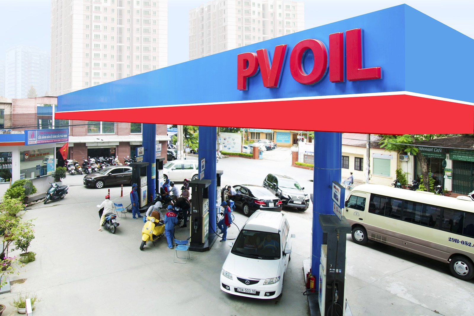 Vietnam's VinFast in deal with PV Oil for electric car charging stations