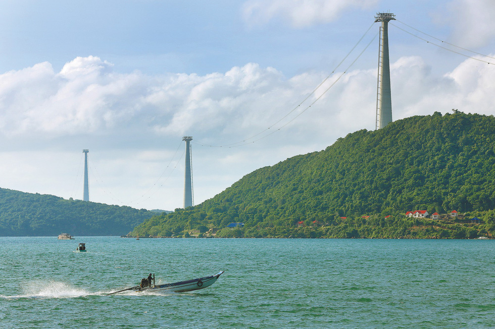 Support towers of the Hon Thom Cable Car in Kien Giang Province, southern Vietnam. Photo: Tuoi Tre