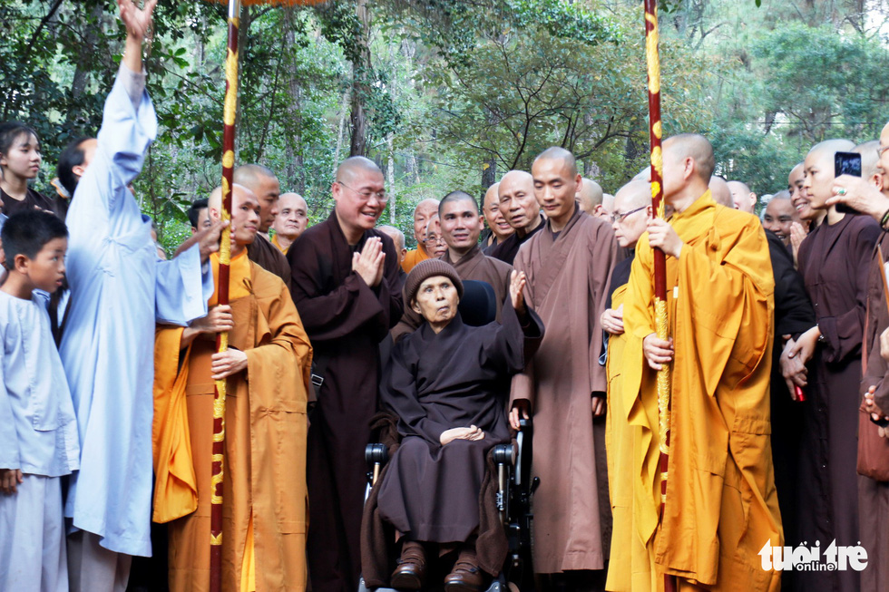 Zen master Thich Nhat Hanh returns to his first monastery in Vietnam